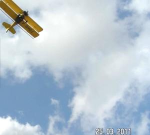 Avion zone pavillonnaire de Narbonne